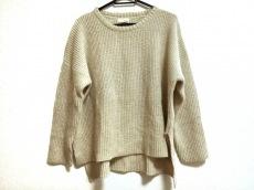 コロニーのセーター