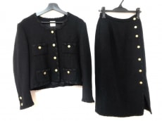 KANEKO ISAO(カネコイサオ)のスカートスーツ