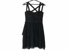 エイチアンドエム×ヴェルサーチのドレス