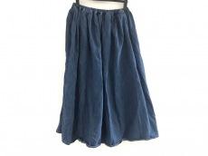 アルテポーヴェラのスカート