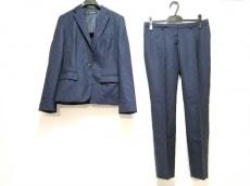 オンリーのレディースパンツスーツ