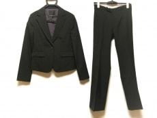 ラピスルーチェのレディースパンツスーツ
