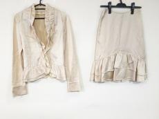 ヴァニラコンフュージョンのスカートスーツ