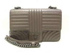 PRADA(プラダ)のダイアグラム レザーショルダーバッグ