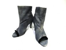 PATRIZIA PEPE(パトリツィアペペ)のブーツ