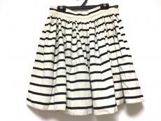 シャルルアナスタスのスカート
