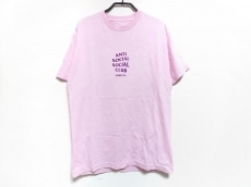 アンチソーシャルソーシャルクラブのTシャツ
