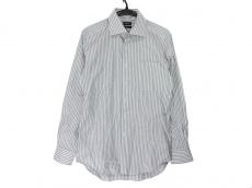 オンリーのシャツ