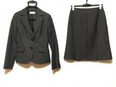 エニシスのスカートスーツ