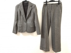 インタープラネットのレディースパンツスーツ