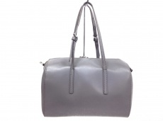 ヤーキのハンドバッグ