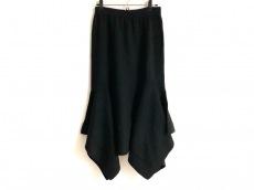 Yasutoshi Ezumi(ヤストシ エズミ)のスカート