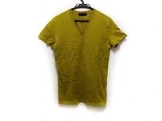 リチウムオムのTシャツ