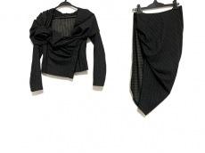 DONNAKARAN COLLECTION(ダナキャランコレクション)のスカートスーツ