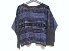 バドゥ・アールのセーター
