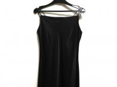 STRAWBERRY-FIELDS(ストロベリーフィールズ)のドレス