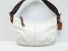 COACH(コーチ)のソーホーレザースモールホーボーのハンドバッグ