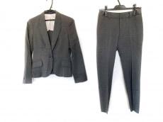 レミューのレディースパンツスーツ