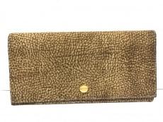 レッドウォールボルボネーゼの長財布