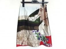 アキラナカのスカート