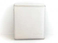 カルトラーレの2つ折り財布