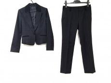 シップスリトルブラックのレディースパンツスーツ