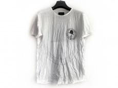 アートカムズファーストのTシャツ