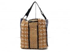 マリア・ラ・ローザのハンドバッグ