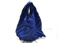 me(ミー/イッセイミヤケ)のハンドバッグ