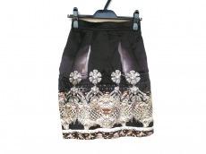 メアリーカトランズのスカート