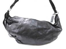 YvesSaintLaurent rivegauche (YSL)(イヴサンローランリヴゴーシュ)のモンバサのショルダーバッグ