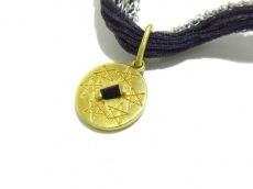 ベルシオラのネックレス