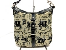 COACH(コーチ)のキャリッジホース・ダッフルショルダーのショルダーバッグ