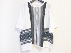 mame kurogouchi(マメ クロゴウチ)のTシャツ