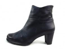 ディッシィのブーツ