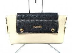 IANNE(イアンヌ)のクラッチバッグ