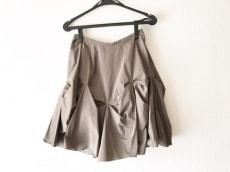 マドーレのスカート