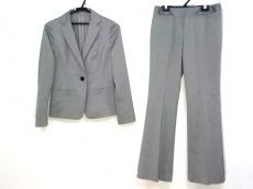 ミッシェルクランのレディースパンツスーツ