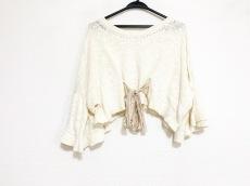 バルコニーアンドベッドのセーター