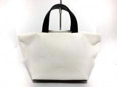 アエタのハンドバッグ