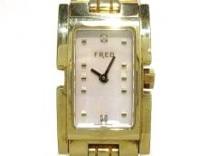 フレッドの腕時計