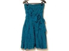 カロリナ グレイサー バイ シェリールのドレス