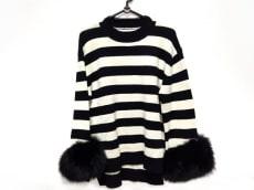 ミスアドラのセーター