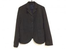 ネストローブのジャケット
