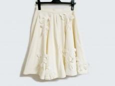 ミキオサカベのスカート