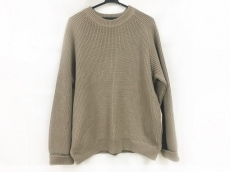 カーリーのセーター