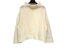 ドロシーシューマッハのセーター