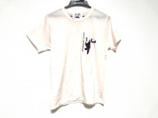 ヤンチェオンテンバールのTシャツ