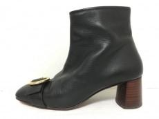 アヴリルガウのブーツ