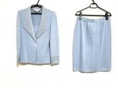 マリーグレイのスカートスーツ